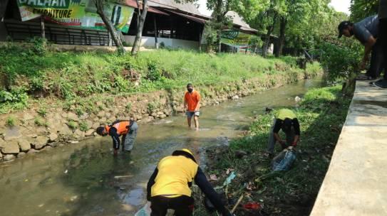 Hindari Dampak Luapan Sungai Ciparigi, OCBD Kolaborasi dengan Pemkot Bogor Aksi Normalisasi